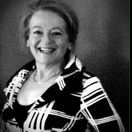 Loraine Deering's avatar