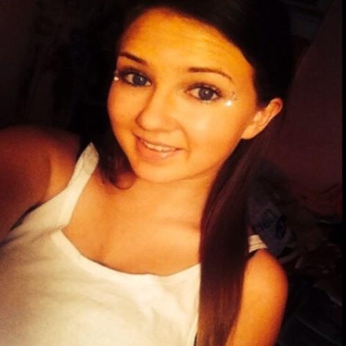 Carolyn Ashley Roberts's avatar