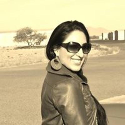 Selina Linn's avatar