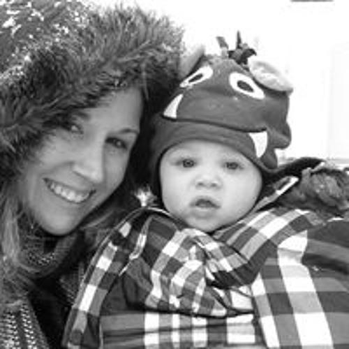 Carly Esteves's avatar