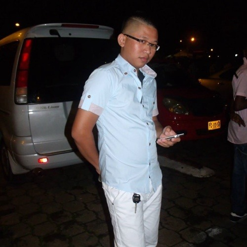 Winston Chang 1's avatar