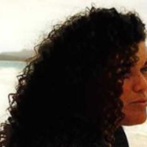 Elizabeth Kaho's avatar