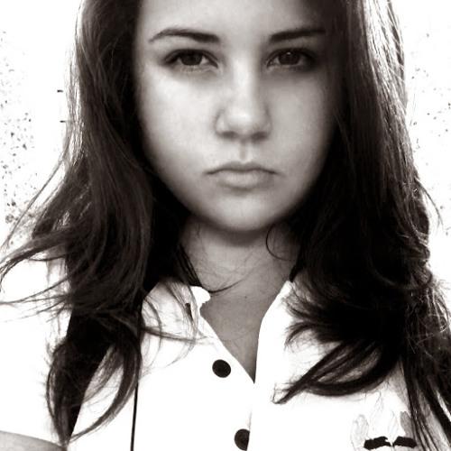 Larissa Nazario Vieira 1's avatar