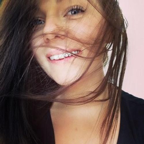 Iris Murray's avatar