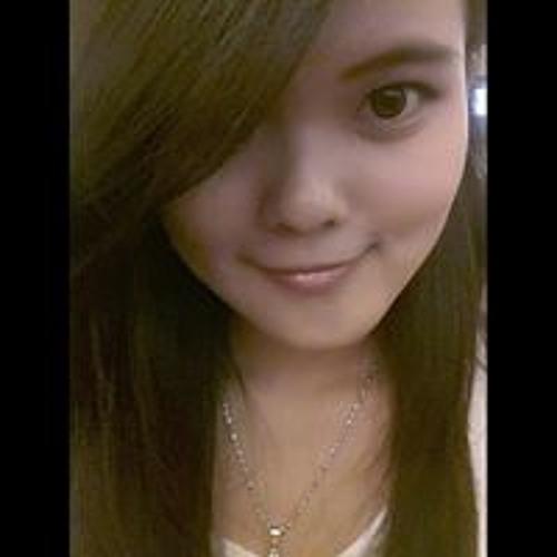 Michaela Stephanie's avatar