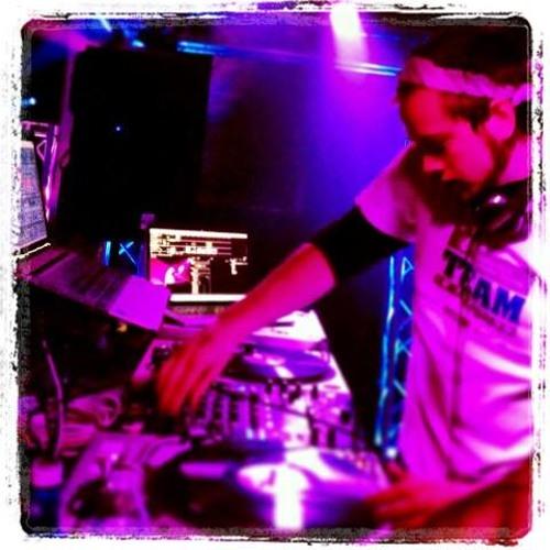 DJ NestE's avatar