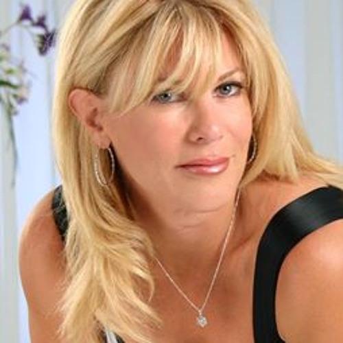 Liz Sharp 2's avatar