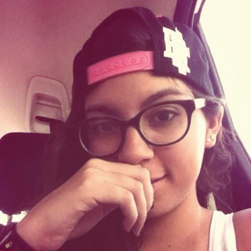 Estefy Cardona's avatar