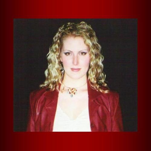 Alisia Lyne's avatar