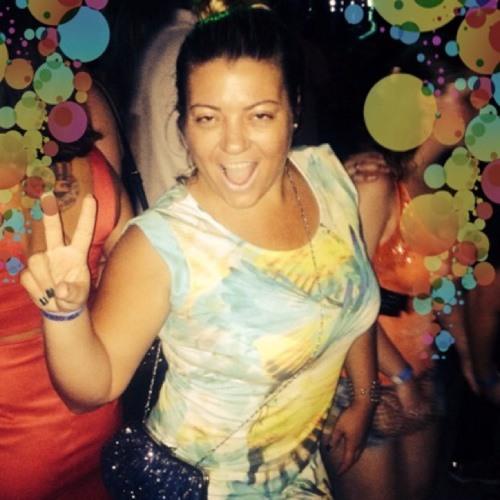 Flávinha Deangeli's avatar