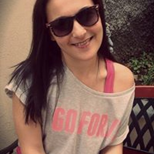 Lara Mendonça 1's avatar