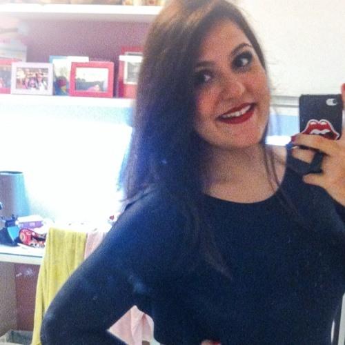 Eduarda Carneiro's avatar
