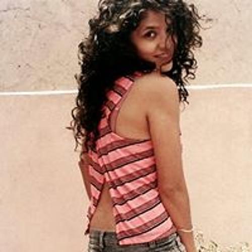 Lucy Hernandez 32's avatar