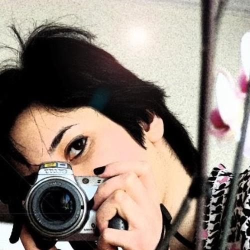 Mandana Fli's avatar