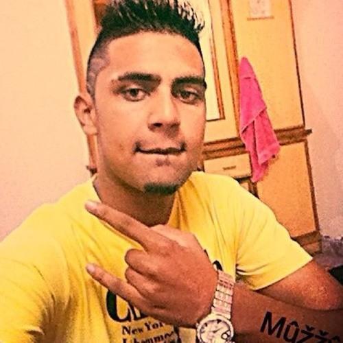 Muzzy Khan's avatar