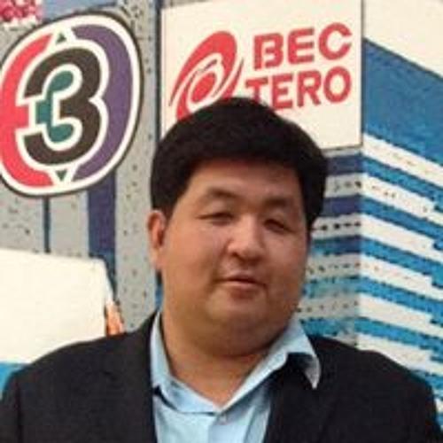 Surakiat Tosasuk's avatar