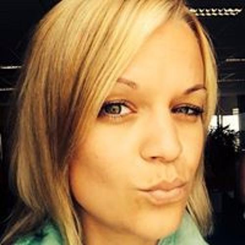 Monique Wilken's avatar
