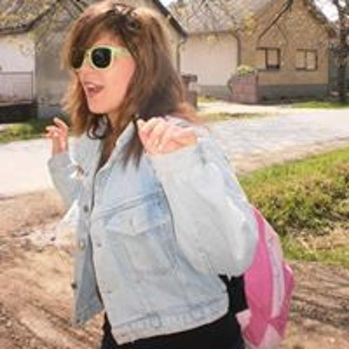 Melissa Elizabeth Ilovaca's avatar