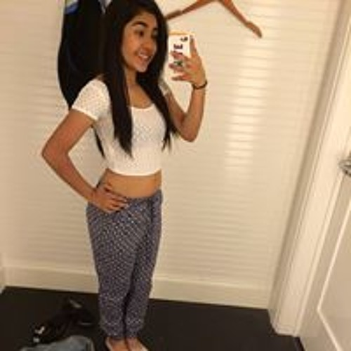 Janet Martinez 20's avatar