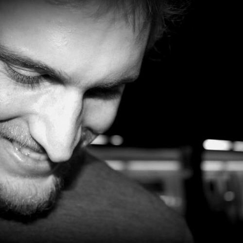 Alek Deva's avatar