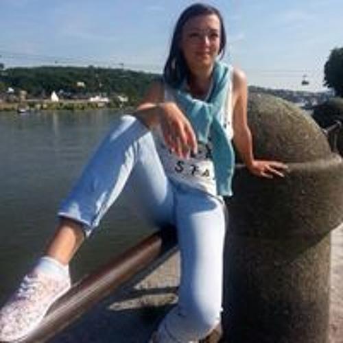 Angelina Mittag's avatar