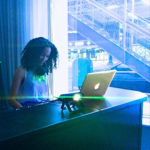 DJ M. Elle's avatar