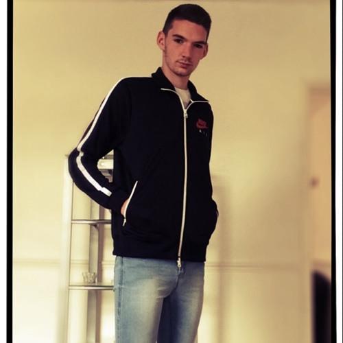 Luke Green 27's avatar