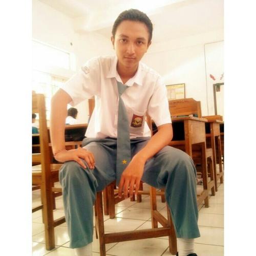 user122597200's avatar