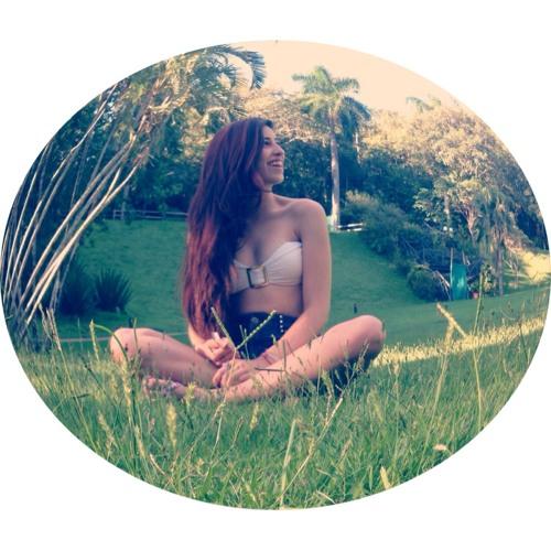 Luíza Claudino's avatar