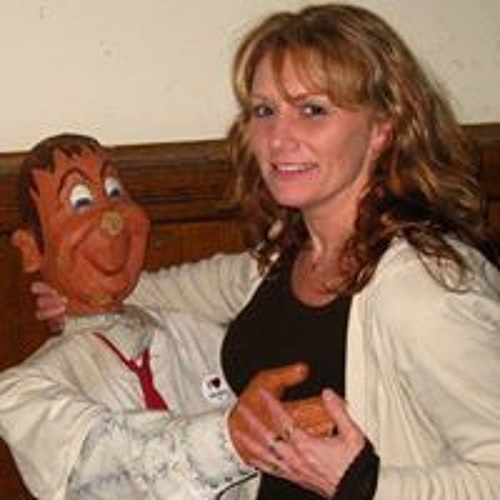 Teresa Holt 3's avatar