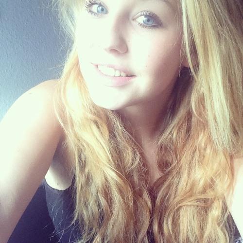 Rebecca Riedel's avatar