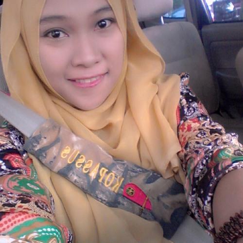 Nadia Ananda's avatar