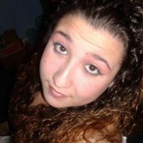 Nikki Desrosiers's avatar