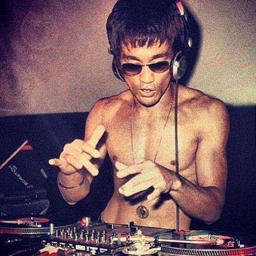 DJ Ri33Z's avatar