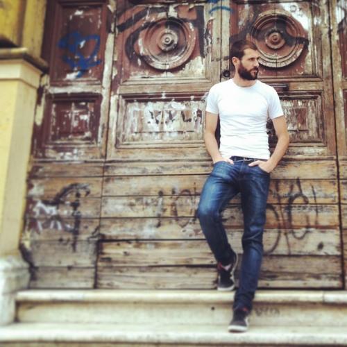 Alejandro Alia's avatar