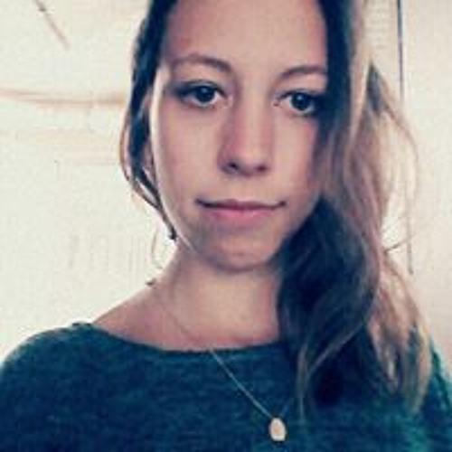 Lia Paraglira's avatar