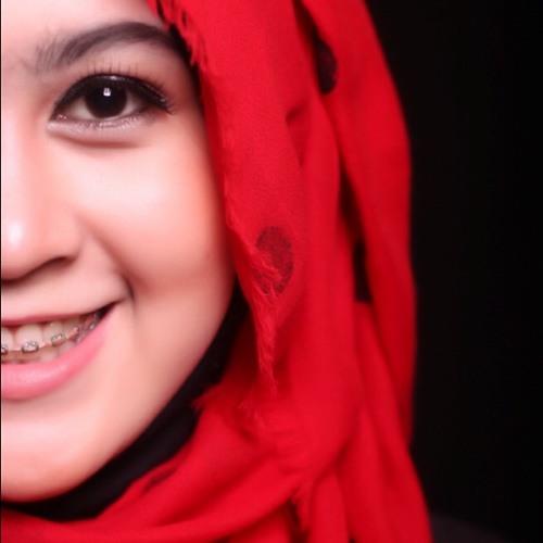 Meyga Safitri's avatar