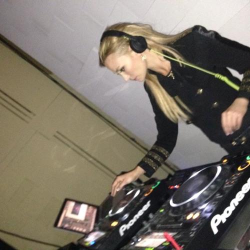 Lauren Ison Leaver's avatar