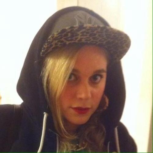 Lizzie Berry's avatar
