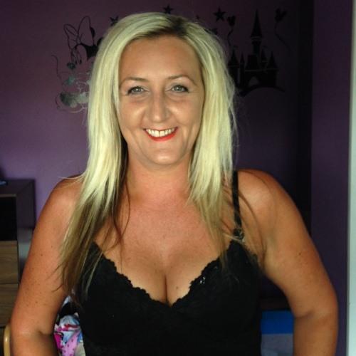 lisa moss's avatar