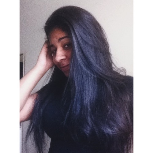 Maria Vitória Silva's avatar
