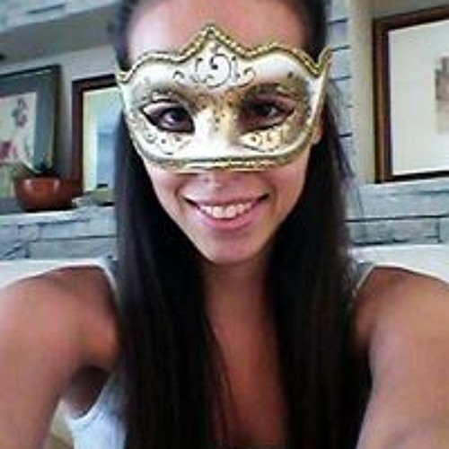 Angelique Bouchard's avatar