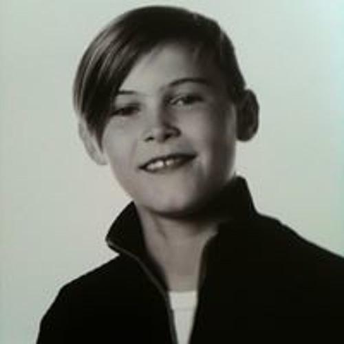 Emil Poulsen 4's avatar