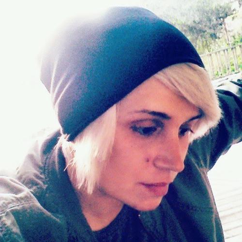 Paula Paul's avatar