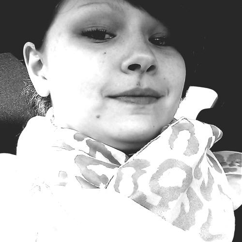 Caro Like's avatar