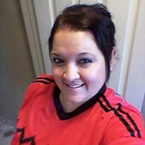 Claudia Coria's avatar