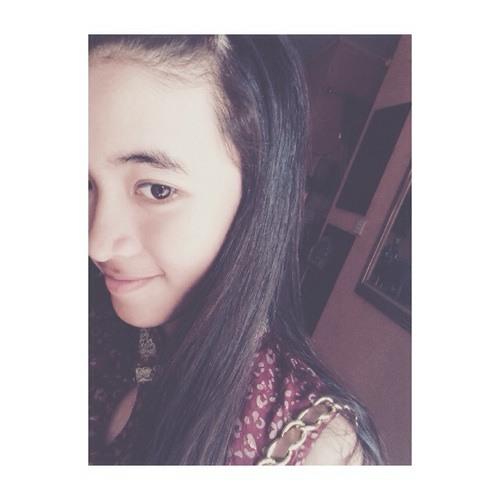 Karina Hawari's avatar