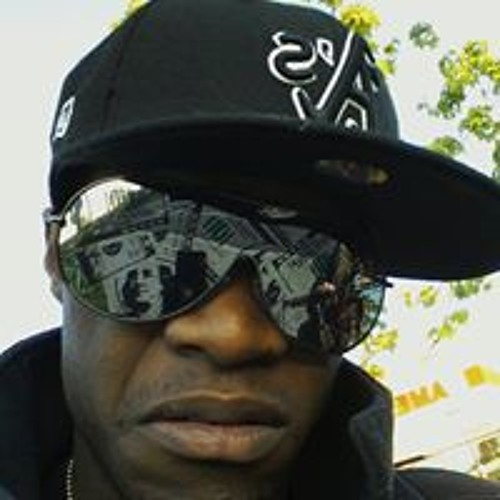 Elijah Roberts 9's avatar