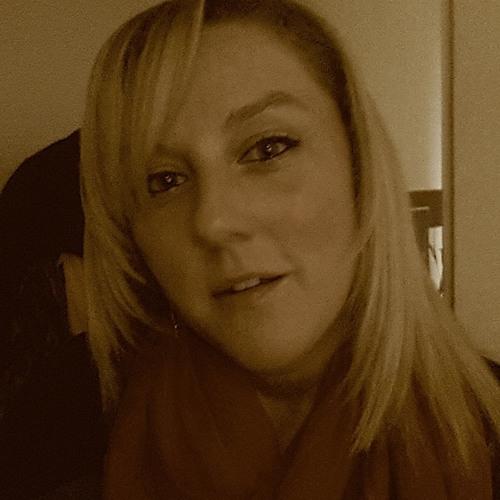 Sabrina Stork's avatar
