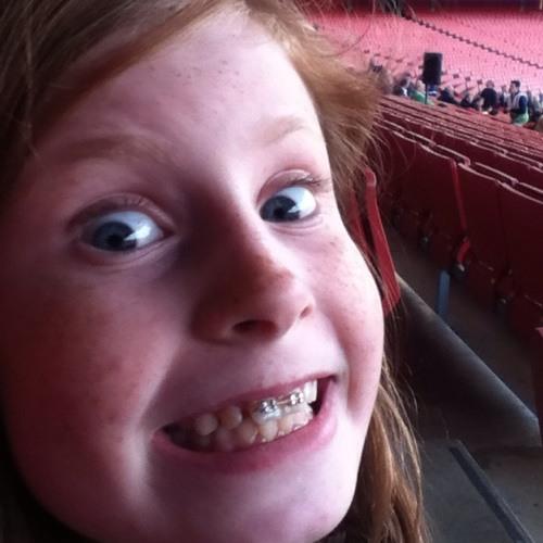 Evie <3's avatar